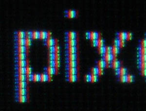 Magnified image of text on the S2231W